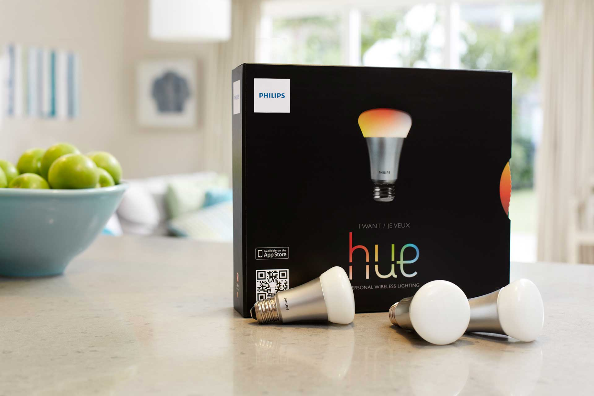 Philips Hue Wireless Lighting System: Controlling Light Temperature & Color From Smartphone