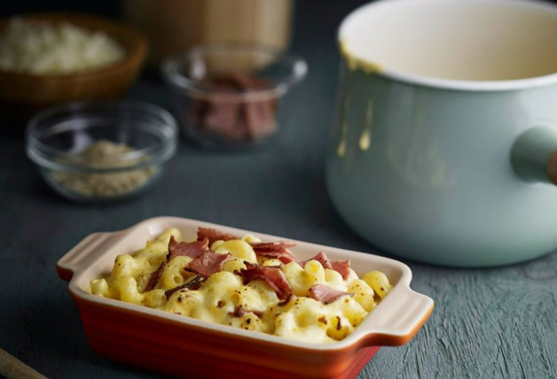 Macaroni & Cheese with Turkey Pastrami