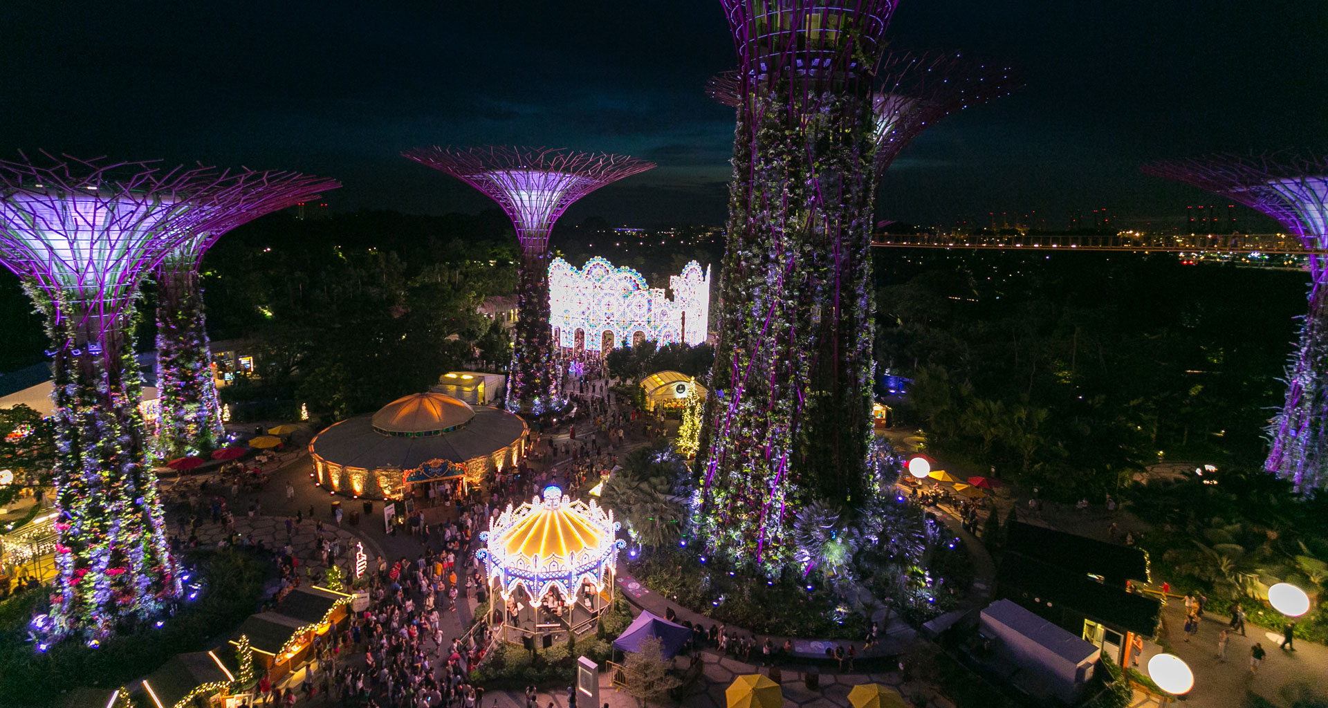Gardens by the Bay turns into a Christmas Wonderland spectacular this holiday season | Great ...