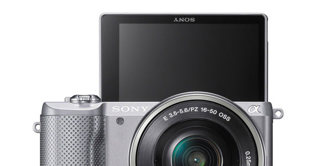You can buy the Sony a5000 Mirrorless Camera at a ridiculous price of S$349 now