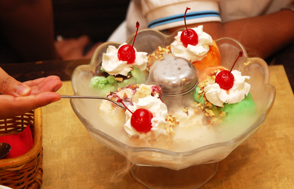 Here's how to redeem Swensen's Signature Mega Sundae Earthquake for just $11
