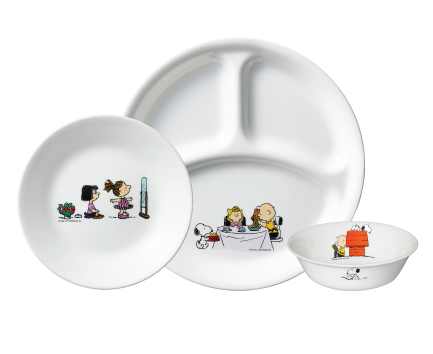 Redeem these limited edition Peanuts & Snoopy Corelle